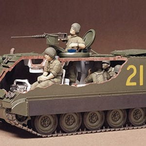 US M113 APC Amoured Personnel Carrier Kit CA140 35 Scale Tamiya 35040