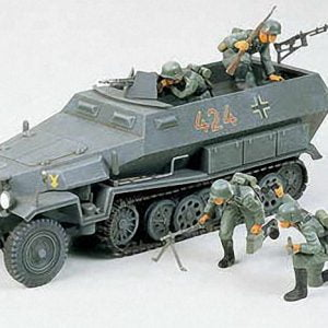 German Hanomag Sdkfz 251/1 Halftrack Kit CA120 35 Scale Tamiya 35020
