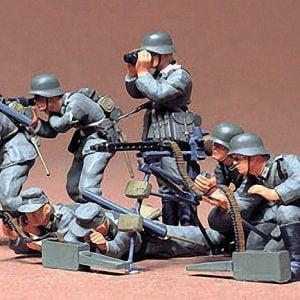 German Machine Gun Troops Kit Set of 7 CA138 35 Scale Tamiya 35038