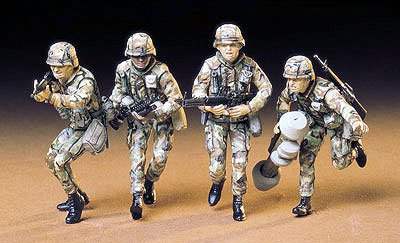 US Modern Army Infantry Set CA233 35 Scale Tamiya 35133