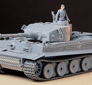German Tiger I Early Production kit 35 Scale Tamiya 35216