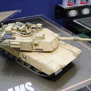 M1A2 Abrams Main Battle Tank - 120mm Gun by Tamiya 35269