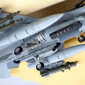 Under Tamiya Lockeed F-16C block 25 of 32 Fighting Falcon ANG 1-48 Scale 61101