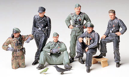 Tamiya German Tank Crew at Rest 1-35 Scale 35201