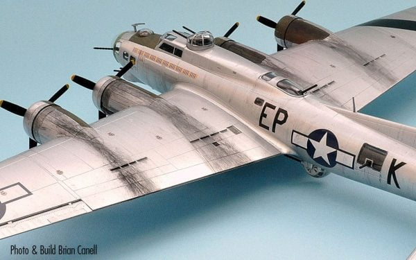 Completed Top Boeing B-17G Flying Fortress 1:72 A08017