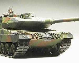 Tamiya Leopard 2 A6 Main Battle Tank Model Kit 35271