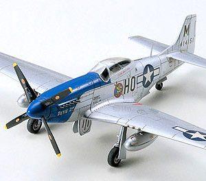 Tamiya P-51D Mustang North American 1:72 Scale Model Kit 60749