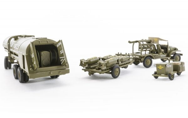 Airfix WWII USAAF 8th Air Force Bomber Resupply Set 1:72 A06304