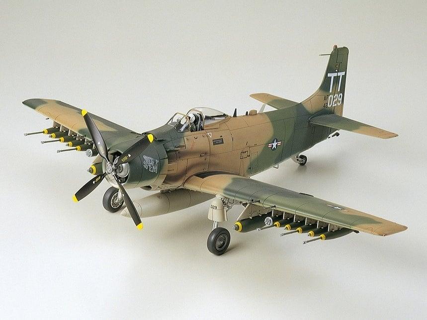 Tamiya 61073 1//48 Scale Model Aircraft Kit U.S.Air Force Douglas A-1J Skyraider