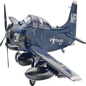 Revell Skyraider AD-5(A-1E) (1/48) Scale 85-5327