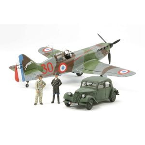 Tamiya Dewoitine D.520 French Aces with Staff Car 1/48