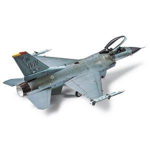 Tamiya F-16CJ Block 50 Fighting Falcon