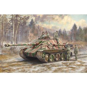 Italeri Jagdpanther Sd.Kfz. 173 with Winter Crew 1/35 Scale 6564