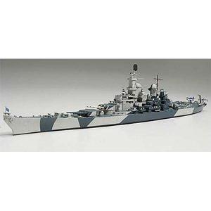 Tamiya 1/700 US Navy Battleship BB-61 Iowa 31616